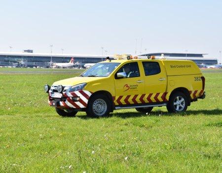 Reportage: 'Jacht houdt luchthaven veilig'